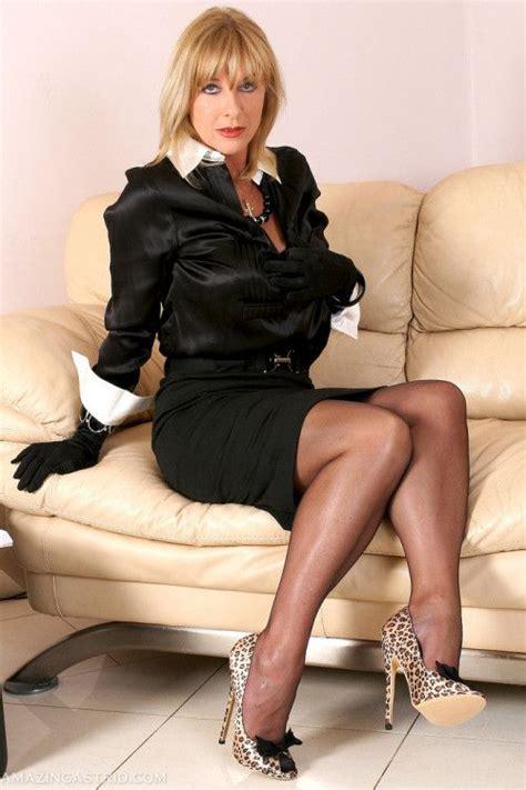 high heel tranny jpg 500x750