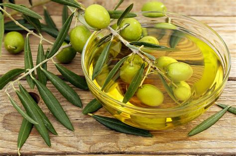 8 ways to use olive oil for beauty beauty and tips jpg 1192x794